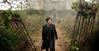 Daniel Radcliffe stars the haunting thriller the Woman in Black.