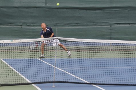 Tennis loses match against Sac City, remain optimistic