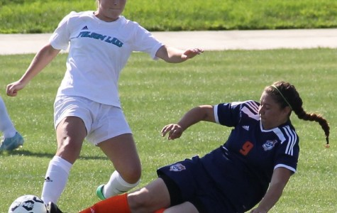 Women's soccer team optimistic despite injuries, coach says