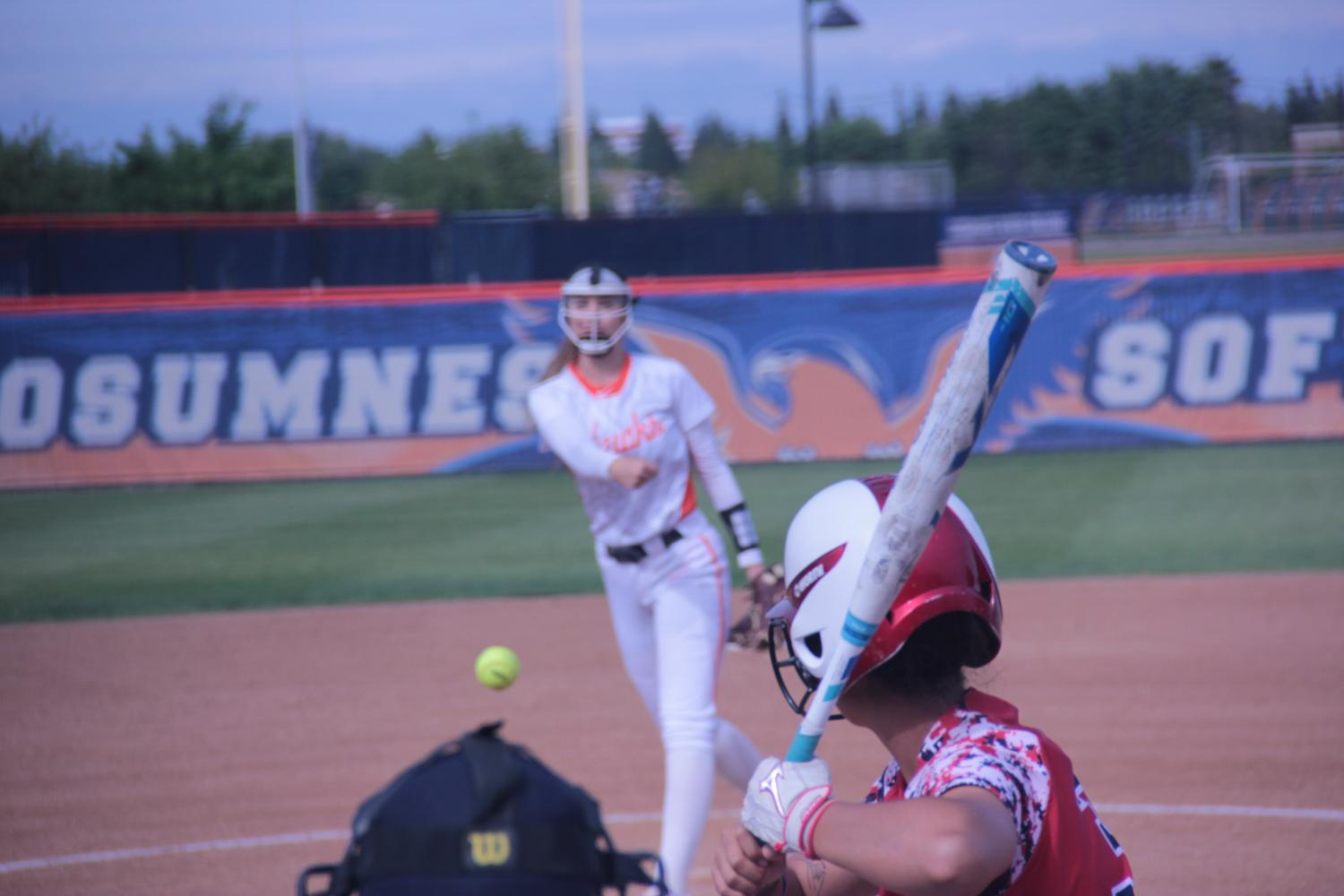 Freshman+pitcher+Brittany+Baroni+hurls+a+pitch+to+a+Santa+Rosa+Junior+College+hitter+on+April+25.
