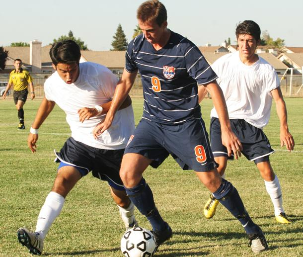 Men%27s+soccer+earns+first+win+against+Yuba+City