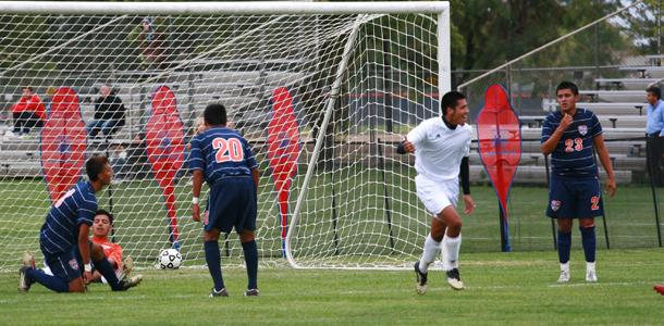 Men's soccer shut out by high powered Modesto, 2-0