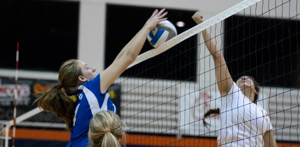 Volleyball players reflect on challenges after losing season