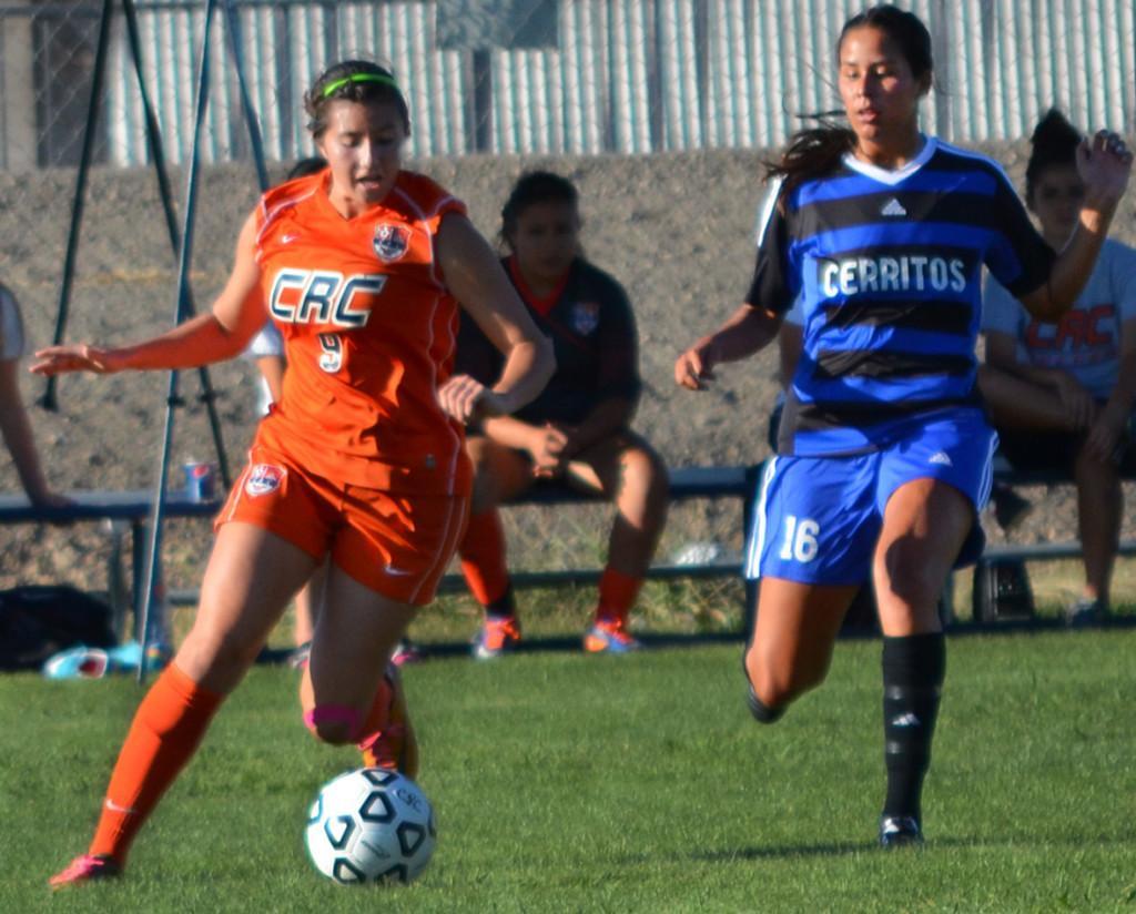 Knee injury brings freshman recruit to women's soccer team