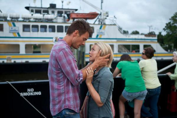 'Safe Haven' is safe bet for romance movie lovers