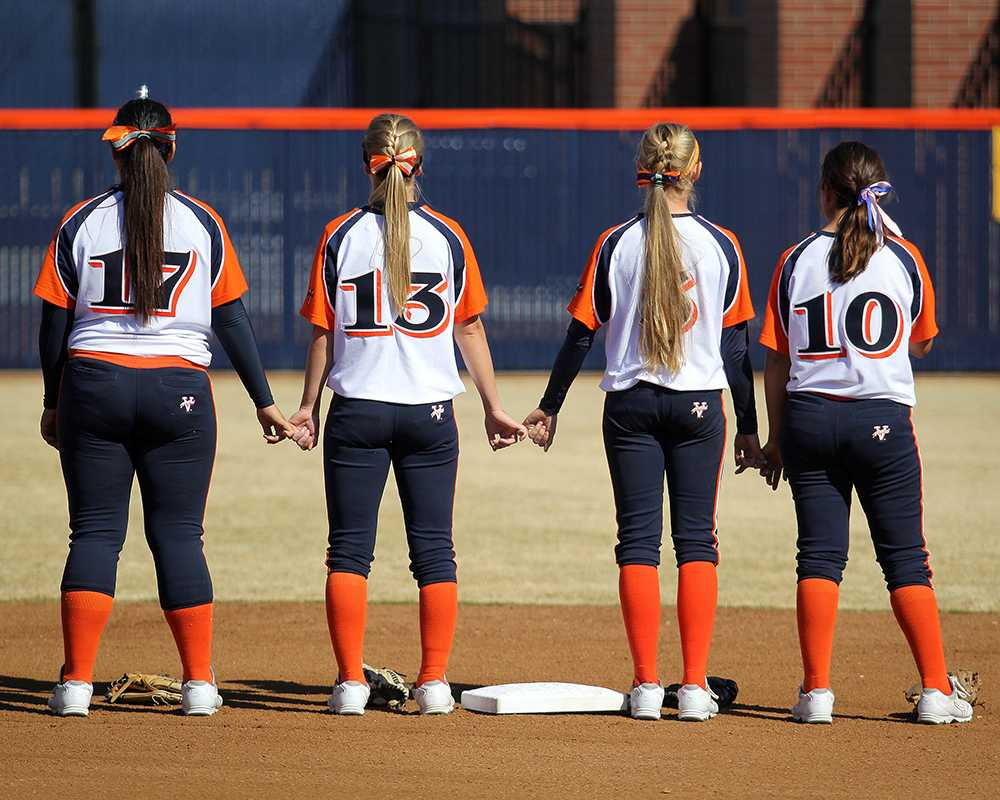 Softball team remains positive despite missing playoffs