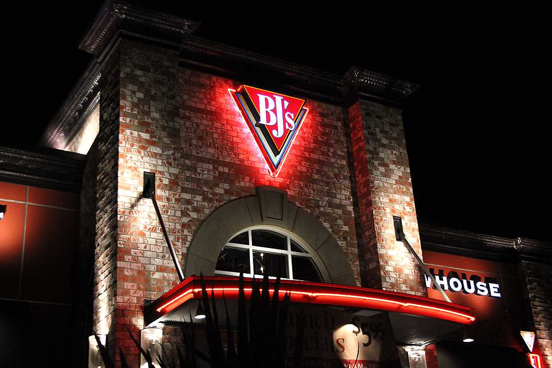 BJ's Restaurant and Brewhouse lights up the corner of Laguna Boulevard and Laguna Springs Drive on Sept. 18.