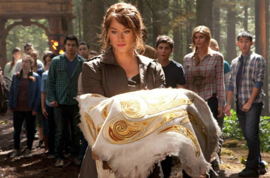 Clarisse, daughter of Ares, returns to camp with the Golden Fleece along with Percy and Annabeth. The camp surrounds them, awestruck at the proof of their dangerous quest being completed.