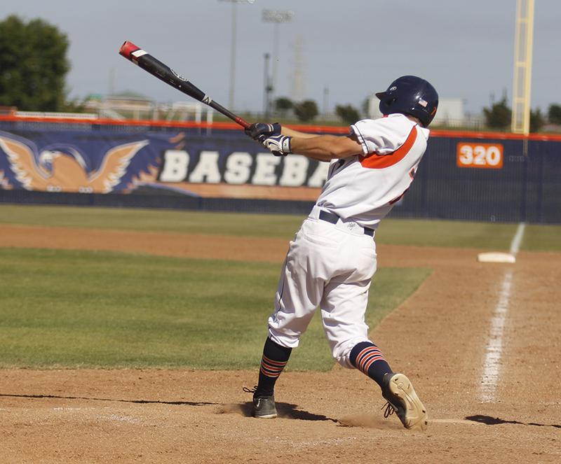 Baseball+beats+Gavilan+and+continues+postseason+play