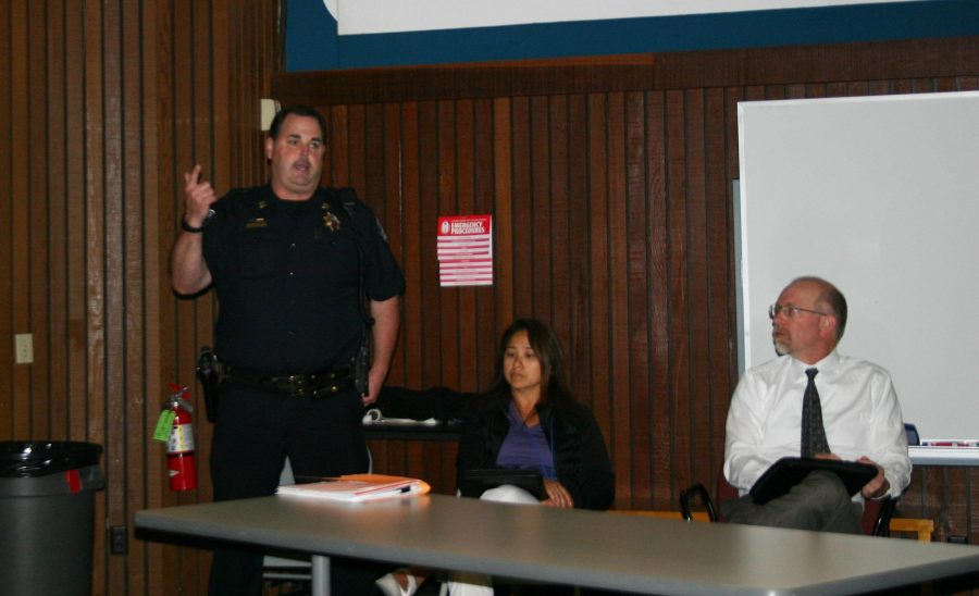 Cosumnes+River+College+faculty%2C+staff+and+Los+Rios+Police+officials+discuss+recent+crimes+on+campus+on+Nov.+12.