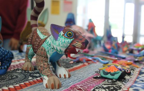 Oaxacan artist presents cultural carvings on campus