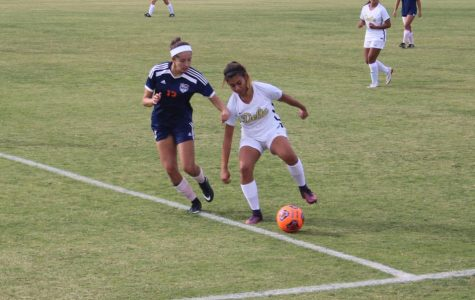 Women's soccer loses close match to Mustangs