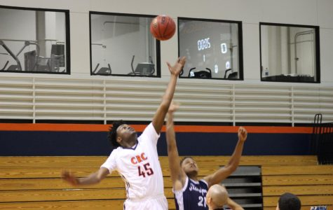 Hawks take solid win over Siskiyous to start James Clark Classic
