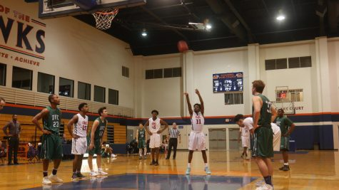 Guard De Rajaee Austin shooting free throws in a loss to DVC