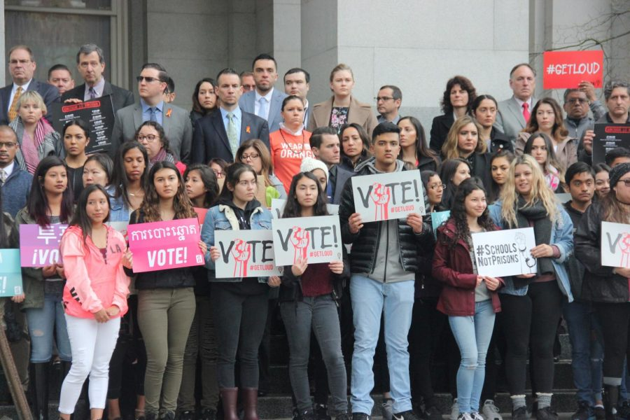 Students joined members of the State Legislature for 17 minutes of silence.