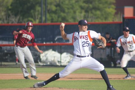 Hawks advance in super regionals after 8-4 win over San Mateo