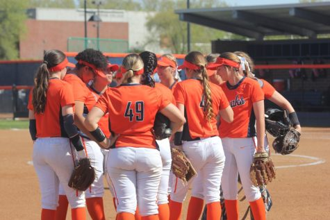 Hawks host three-day softball clinic for community
