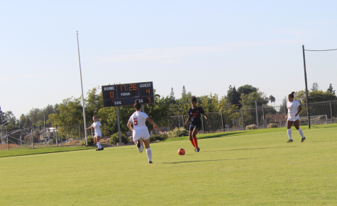 Women's soccer struggles with communicating in game against Las Positas College