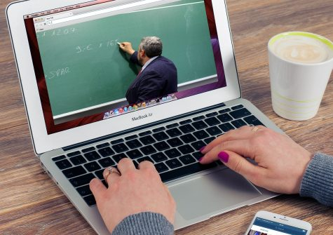 Faculty prepare to move classes online due to school closure