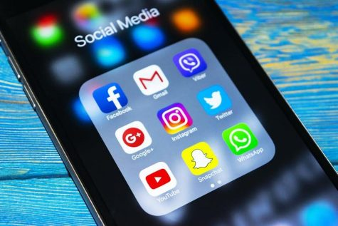 Various social media apps widely used by everyday Americans. Social media has become a way of life throughout the 21st century.